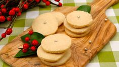 Slice-and-Bake Shortbread - Recipes - Best Recipes Ever - This is a classic Christmas cookie that's guaranteed to melt-in-your-mouth. Send Cookies, Holiday Cookies, Holiday Baking, Christmas Baking, Cookie Desserts, Dessert Recipes, Shortbread Recipes, Shortbread Cookies, Desert Recipes