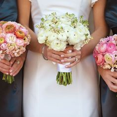 Bouquets of pink ranunculuses and hydrangeas. Laura Negri Photography.