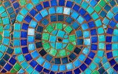 Mosaic Garden Crafts - aejharrison/Flickr.com