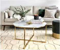 Make your living room with the glass coffee table Antigua with marbled table top made of glass to the oasis of well-being. Discover more furniture at >> WestwingNow. Glass table in marble look Source by alanakle Living Room Mirrors, Living Room Decor, Grey Sofa Design, Round Glass Coffee Table, Glass Table, Decorating Coffee Tables, Home Decor Furniture, Living Room Designs, Decoration