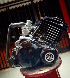 Dt Yamaha, Yamaha Rx 135, Dirt Bike Videos, Scrambler Motorcycle, Motorcycles, Custom Bobber, Honda, Motogp, Motorbikes