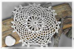 Häkeldeckchen - Häkeldeckchen Blume 20cm - ein Designerstück von DaiSign bei DaWanda