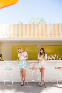 Summer getaway! http://www.stylemepretty.com/living/2015/05/28/stylish-girls-weekend-getaway-in-palm-springs/ | Photography: Vero Suh - http://verosuh.com/
