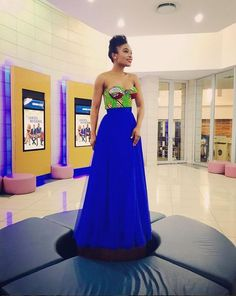 6 Times Nomzamo Mbatha slayed in African print African Print Fashion, Africa Fashion, Fashion Prints, African Prints, Style Fashion, African Attire, African Wear, African Outfits, Matric Dance Dresses