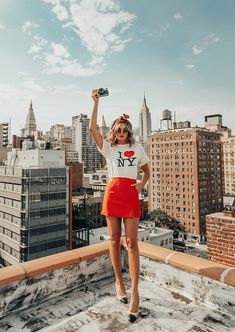 Best shoes to wear in NYC By Tezza – Travel New York – Ideas for traveling in New York York New York Outfits, City Outfits, New York Pictures, New York Photos, Estilo Ny, New York Sommer, New York Mädchen, Nyc Pics, New York Girls