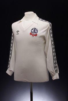 Bolton Wanderers Football Shirt (1977-1980, home)