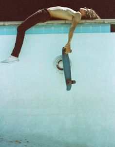 """""""Dylan Jet « PICDIT"""" on Designspiration Skate Boy, Skate Surf, Skate Fish, Longboards, Skating, Jay Adams, Skateboard Boy, Skateboard Pictures, Pool Photography"""