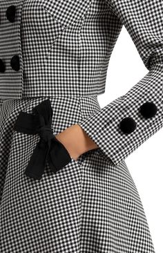Black and white vichy skirt with a bow decoration on a pocket. Thick stretchy cotton suit with ribbon trim. Double-breasted jacket with velvet buttons. Side seam pockets decorated with designer handmade bows. Hidden back zip closure. Hijab Fashion, Fashion Dresses, Stylish Dresses, Pink Fur Coat, Mode Abaya, Fashion Details, Fashion Design, Fashion Tips, Cotton Suit