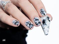 Nail art moon stone inspiration