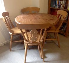 Solid Pine Dining Room Table 4 Matching Chairs