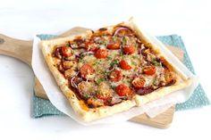 We laten je zien hoe je deze super lekkere Italiaanse plaattaart kunt maken. Je hebt niet veel ingredienten nodig en ook niet veel tijd. Eet smakelijk.