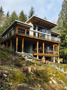 Browse our gallery of Tamlin Homes built across Canada, the US and Internationally. We design & manufacture West Coast style prefab homes. Barn House Plans, Dream House Plans, Contemporary House Plans, Modern House Design, Shed Roof Design, Modern Lodge, Pacific Homes, Beautiful House Plans, Timber Frame Homes
