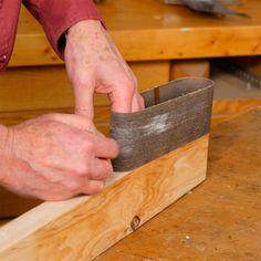 measure belt for belt sander sanding block Easy Woodworking Projects, Popular Woodworking, Woodworking Techniques, Woodworking Jigs, Sanding Tips, Sanding Wood, Sanding Block, Downdraft Table, Power Sander