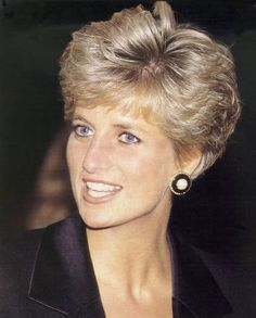 Get Princess Diana's style by keeping the majority of your hair a few inches long, then cutting bangs that hit just brush your eyebrows. Description from pinterest.com. I searched for this on bing.com/images