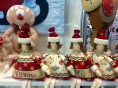 Linda boneca Bonequinha de Natal em patchwork da Amellie - Amellie Bonecas e Patchwork