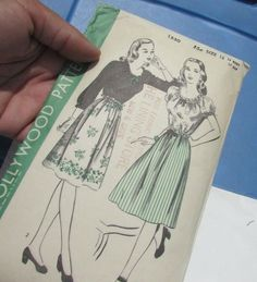 Vintage Hollywood Pattern 1940's Women's Peasant Blouse Gathered Skirt Size 16