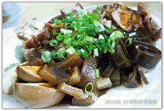 Stewed Kelp, firm tofu, and eggs.  黑白切!
