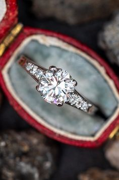 We are taking a poll to find out if this is the perfect vintage engagement ring. Would you like to join in? Sku EJ17446. Vintage Engagement Rings, Diamond Engagement Rings, Big Rings, Alpacas, Royal Jewels, 1940s, Diamond Cuts, Heart Ring, Amethyst