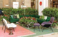 #moderngarden #outdoorplants #indoorsoutdoors #moderndesign #Eames @hermanmiller Visit Herman Miller at NeoCon 2016 to see how Living Office is helping businesses around the world create unique workplaces where people can prosper.