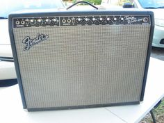"Incredible pre-owned Fender '65 Twin Reverb Cabinet . Dates to 1990. In great working order. Beautiful condition. Looks and sounds great. Please see pictures and enlarge for a closer look. Has tilt-back legs. FEATURESMade in USAOriginal all-tube circuitry85 watts2 Jensen 12"" speakers2 channelsTube vibratoTube spring reverb2-button footswitchBlackface cosmeticsYou don't have to wait any longer for genuine Twin tube sound. Make your move today.SPECIFICATIONSVintage Reissue '65 Twi..."