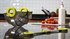 A Shape-Shifting Colander You Can Get Excited About