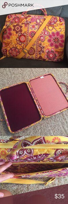 Vera Bradley Laptop Portfolio Like new! Vera Bradley Bags Laptop Bags