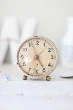 ♥vintage alarm clock