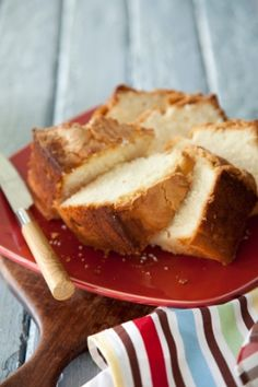 Georgia Poundcake:  2 teaspoon pure vanilla extract (you may use lemon or almond flavoring instead)   1 cup heavy cream   1/2 teaspoon baking powder   1/2 teaspoon salt   3 cup all-purpose flour   6   eggs   3 cup sugar   2   sticks butter, softened