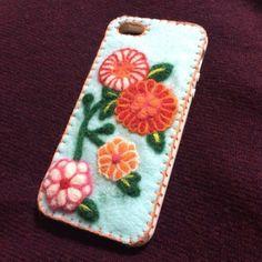 和柄iPhoneケースです。|ハンドメイド、手作り、手仕事品の通販・販売・購入ならCreema。