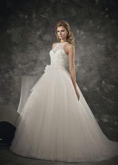 Escote halter para completar un vestido de princesa