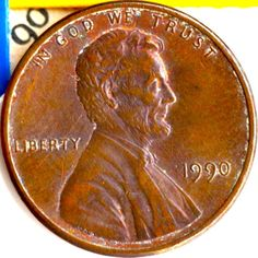 The 1990 No S penny is worth thousands of dollars! Here's how to tell if you have the rare 1990 penny + Everything you want to know about 1990 penny value. Valuable Pennies, Rare Pennies, Valuable Coins, Us Coins, Silver Coins, Penny Values, Old Coins Worth Money, Coin Prices, Show Me The Money