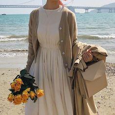 modest fashion Come vestirsi per l'ufficio in primavera Modest Fashion, Hijab Fashion, Korean Fashion, Fashion Outfits, Fashion Trends, Romantic Fashion, Apostolic Fashion, Ulzzang Fashion, Dress Fashion