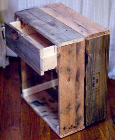 DIY Reclaimed Wood Side Table | 27 DIY Rustic Decor Ideas for the Home | DIY Rustic Home Decorating on a Budget