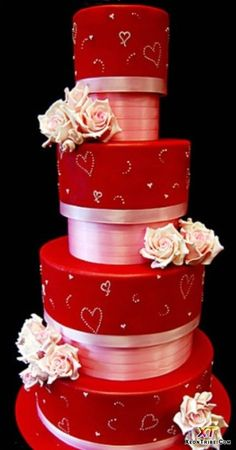Mouth-Watering Wednesday: Super crisp and BIG Valentine wedding cake. Simple yet beautiful