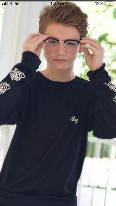 Boys Glasses, Boys Are Stupid, My Future Boyfriend, Cute Teenage Boys, Fine Boys, Cutest Thing Ever, Kawaii Girl, Hot Boys, Beautiful Boys