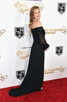 """Drew Barrymore Photos Photos - Actress Drew Barrymore attends the 2016 Children's Hospital Los Angeles """"Once Upon a Time"""" Gala at L.A. Live Event Deck on October 15, 2016 in Los Angeles, California. - 2016 Children's Hospital Los Angeles 'Once Upon a Time' Gala - Arrivals"""