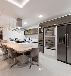 [New] The Best Home Decor (with Pictures) These are the 10 best home decor today. According to home decor experts, the 10 all-time best home decor. Galley Kitchen Design, Kitchen Units, Interior Design Kitchen, Interior Decorating, Home Room Design, House Design, Kitchen Furniture, Kitchen Decor, Fancy Houses