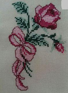 Funny Cross Stitch Patterns, Cross Stitch Designs, Cross Stitch Rose, Modern Cross Stitch, Embroidery Applique, Cross Stitch Embroidery, Cross Stitch Landscape, Baby Knitting Patterns, Crochet Crafts