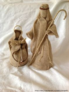 Nativity in burlap Gag Gifts Christmas, Burlap Christmas, Christmas Mood, Christmas Decorations, Christmas Nativity Scene, Nativity Crafts, Burlap Crafts, Stuffed Animal Patterns, Christmas Pictures