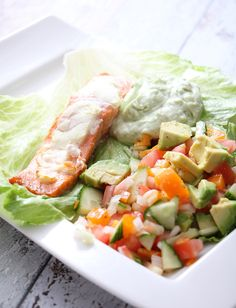 Laksewrap med avokadokrem og salsa Healthy Food, Healthy Recipes, Fresh Rolls, Salsa, Healthy Lifestyle, Drink, Eat, Ethnic Recipes, Red Peppers