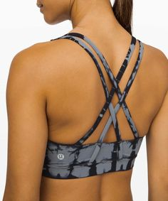 Workout Tank Tops, Workout Gear, Yoga Pants Photos, Bra Photos, Yoga Bra, Womens Workout Outfits, Women's Sports Bras, Bra Straps, Active Wear For Women