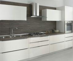 Cucina bianca top scuro piastrelle Living Room Kitchen, New Kitchen, Gate Design, House Design, Grey Kitchens, Kitchen Organization, Countertops, Kitchen Design, Sweet Home