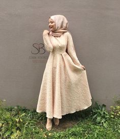 Hijab Evening Dresses For Engagement # Evening Dress # For # Dress # Models Hijab Evening Dress, Hijab Dress Party, Hijab Style Dress, Evening Dresses, Muslim Fashion, Hijab Fashion, Fashion Dresses, Night Outfits, Dress Outfits