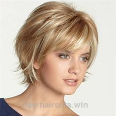 18 Short Haircuts for Women with Fine Hair - Hair styles - Cheveux Thin Hair Cuts, Short Hair With Layers, Medium Hair Cuts, Medium Hair Styles, Curly Hair Styles, Short Hair Cuts For Women With Bangs, Short Hair Over 50, Fine Short Hair Styles, Short Cuts