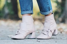 Ankle shoes with w bow, Topshop
