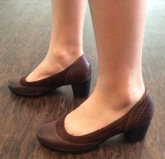 Clarks Bendables Brown Leather suede heels size 7.5 M #Clarks #Mules #WeartoWorkorcasual