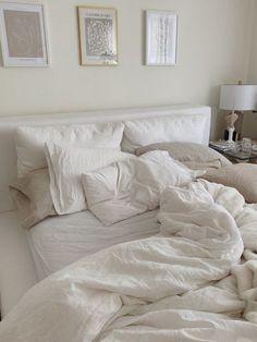 Room Ideas Bedroom, Bedroom Inspo, Dream Bedroom, Home Bedroom, Bedroom Furniture, Bedroom Decor, Bedrooms, Modern Chic Decor, Beige Room