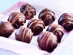 Sweet Desserts, Vegan Desserts, Candy Recipes, Dessert Recipes, Sweet Pastries, Vegan Foods, Something Sweet, Healthy Treats, Christmas Treats