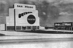 The San Pedro Outdoor Theatre -originally opened in 1948 at San Pedro and Rampart near what is now North Star Mall. It closed in 1965 and reopened as the San Pedro Twin Outdoor at San Pedro and Bitters Road. Outdoor Cinema, Outdoor Theater, Historical Sites, Historical Photos, Old Pictures, Old Photos, Drive In Movie Theater, Texas History, San Antonio