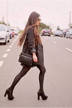 on the go in classy black!